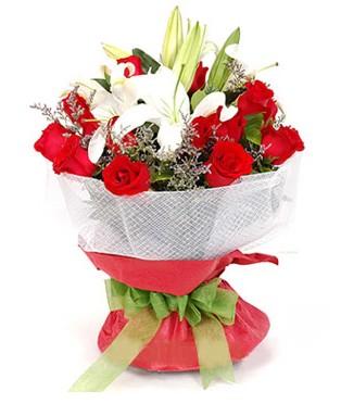 Polatlı Ankara hediye çiçek yolla  1 dal kazablanka 11 adet kırmızı gül buketi
