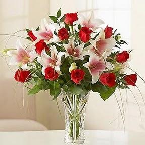 Polatlıya çiçek çiçek mağazası , çiçekçi adresleri  12 adet kırmızı gül 1 dal kazablanka çiçeği