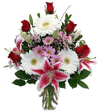 Polatlıya çiçek çiçek mağazası , çiçekçi adresleri  1 dal kazablanka 5 gül ve kırçiçeği vazosu