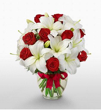 Polatlı Ankara hediye çiçek yolla  1 dal kazablanka 11 adet kırmızı gül vazosu