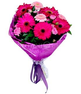 çiçek siparişi sitesi  karışık gerbera çiçeği buketi