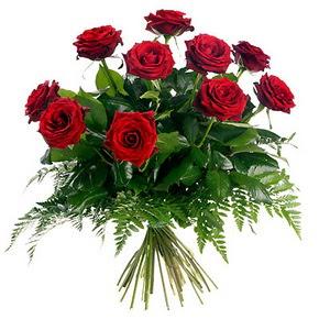 Polatlıda çiçek firması çiçek gönderme  10 adet kırmızı gülden buket