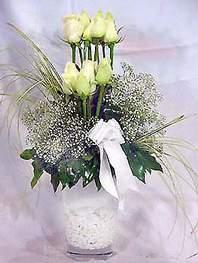 Ankara Polatlı online çiçek gönderme sipariş  9 adet vazoda beyaz gül - sevdiklerinize çiçek seçimi