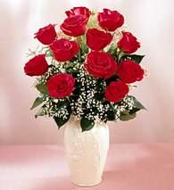 çiçekçi mağazası  9 adet vazoda özel tanzim kirmizi gül