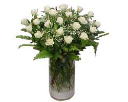Polatlı yurtiçi ve yurtdışı çiçek siparişi  cam yada mika Vazoda 12 adet beyaz gül - sevenler için ideal seçim