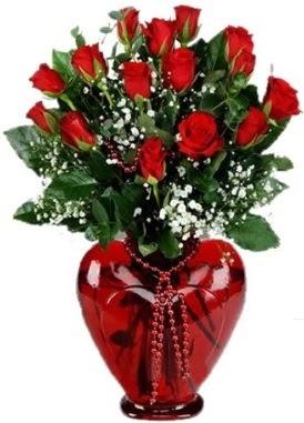 Cam kalp içerisinde 15 kırmızı gül  Polatlı anneler günü çiçek yolla
