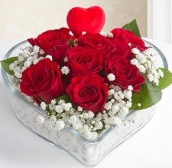 Kalp içerisinde 7 kırmızı gül kalp çubuk  Polatlı çiçek gönderme sitemiz güvenlidir