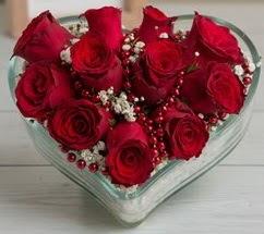 Kalp içerisinde 7 adet kırmızı gül  Polatlıya çiçek Ankara çiçekçi telefonları