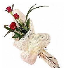 3 adet kırmızı gül buketi  Polatlıda çiçekçi güvenli kaliteli hızlı çiçek