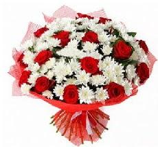 11 adet kırmızı gül ve 1 demet krizantem  Polatlıya çiçek çiçek mağazası , çiçekçi adresleri