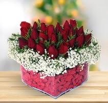 15 kırmızı gülden kalp mika çiçeği  Polatlı çiçek satışı