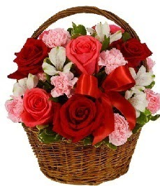 Polatlı internetten çiçek satışı  sepette güller ve kır çiçekleri