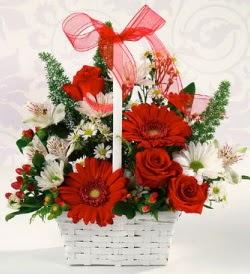 Karışık rengarenk mevsim çiçek sepeti  internetten çiçek siparişi