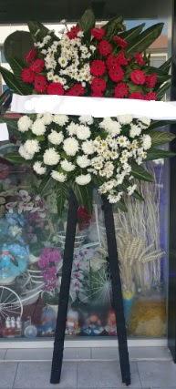 Cenaze çiçeği cenaze çiçek modelleri çiçek siparişi sitesi