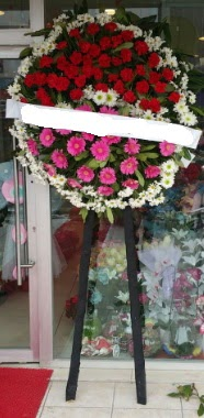 Cenaze çiçek modeli  internetten çiçek siparişi