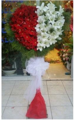Özel üstü özel kalp çiçek tanzimi  Polatlı çiçek gönderme sitemiz güvenlidir