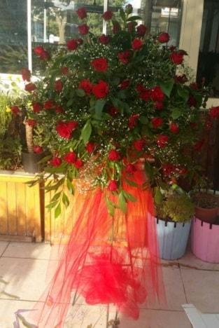 71 adet kırmızı gülden ferförje çiçeği  Polatlı çiçek satışı