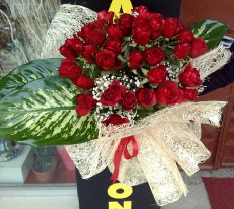 41 adet kırmızı gül Kız isteme çiçeği buketi  Polatlıya çiçek Ankara çiçekçi telefonları