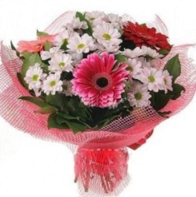 Gerbera ve kır çiçekleri buketi  internetten çiçek siparişi