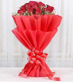 12 adet kırmızı gül buketi  Polatlı Ankara hediye çiçek yolla