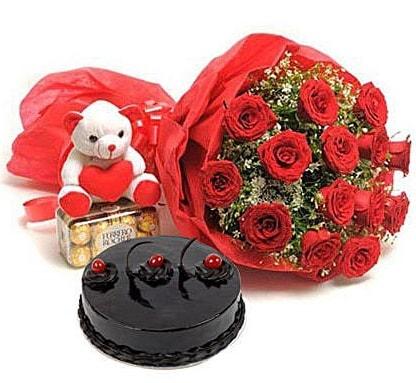 12 kırmızı gül ayıcık çikolata ve yaş pasta  Polatlıda çiçek firması çiçek gönderme